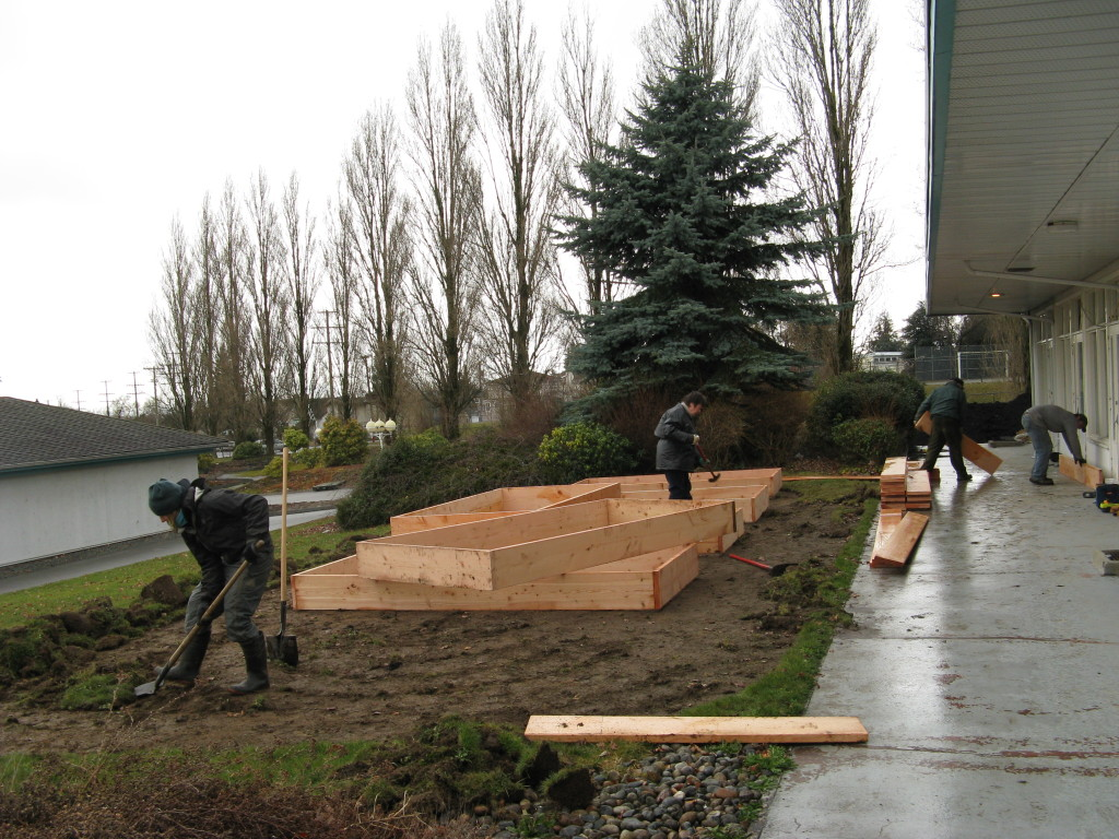 Friends & Family help build the Pearson Therapeutic Gardens in 2009